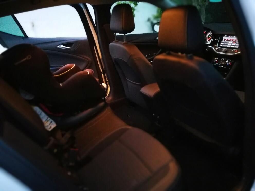 Plazas traseras Opel Astra 2017 1.6 CDTi 110cv Excellence