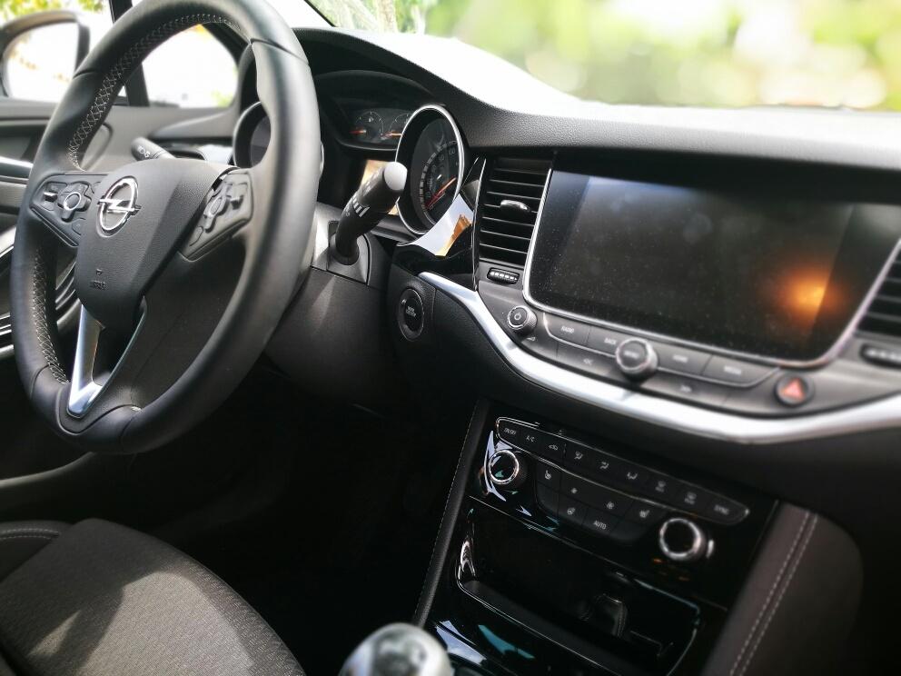 Interior opel astra 2017 1 6 cdti 110cv excellence car for Interior opel astra 2017